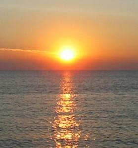 شمس وبحر
